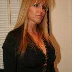 Damsel In Distress Nicole Moore Thanks A Helpful Guy 01